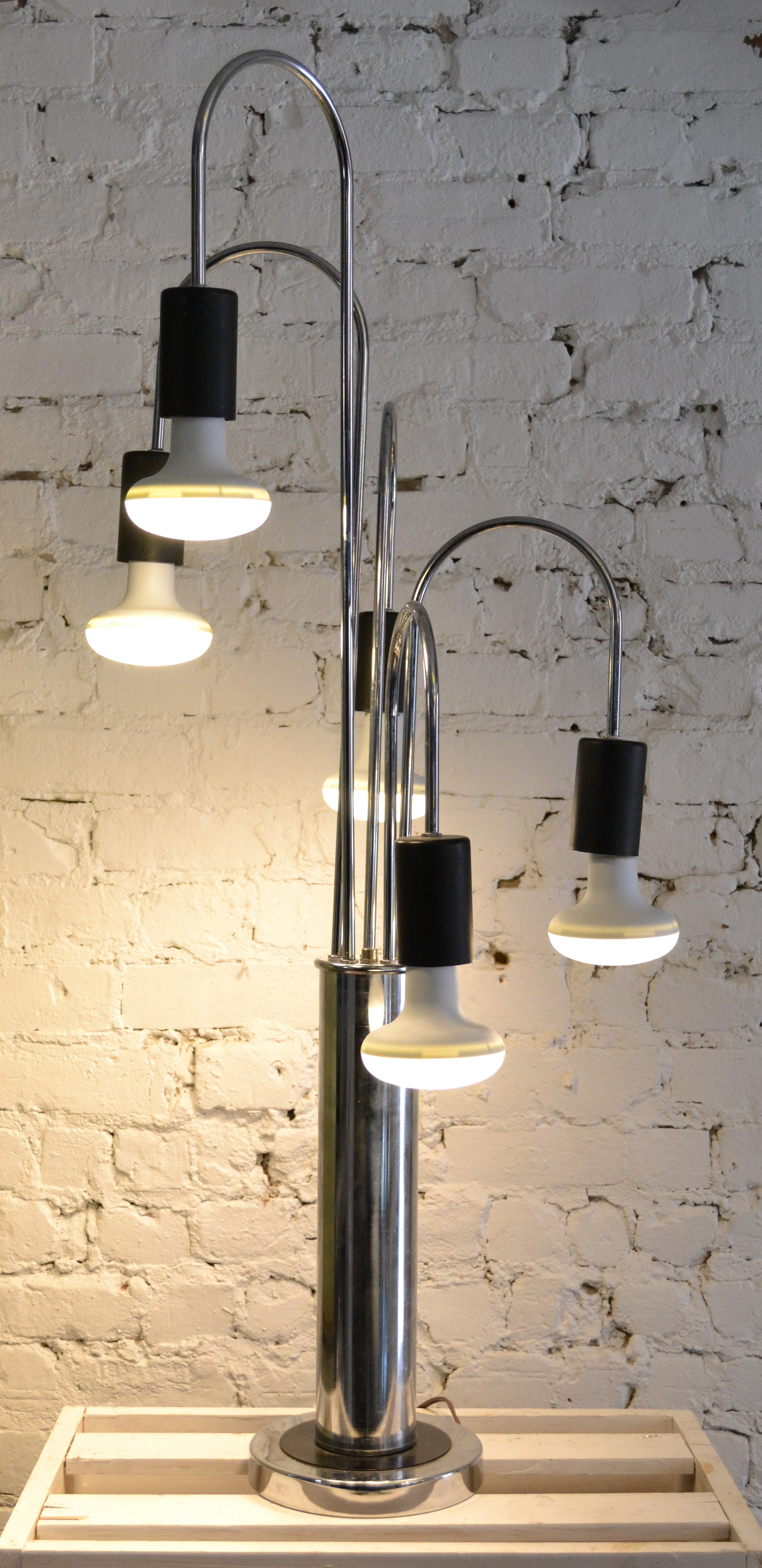 lampe du designer italien gaetano sciolari chrome de 1960 harold. Black Bedroom Furniture Sets. Home Design Ideas